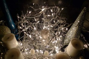 Christmas wire ball by Maike's Marvels