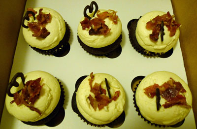 sixpack cupcakes by The Sugar Path
