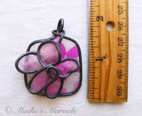 Flower Pendant by Maike's Marvels